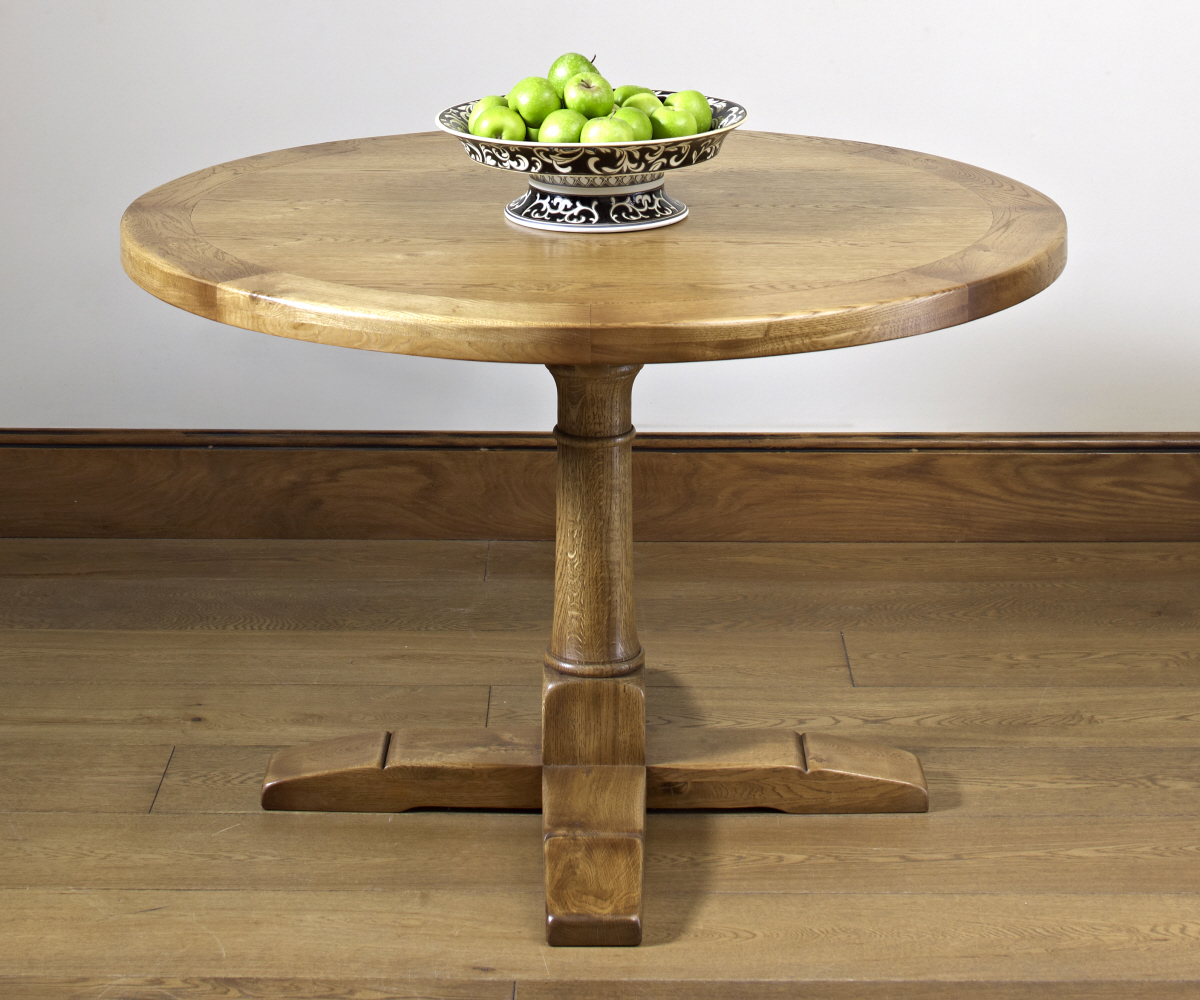 Old Charm Chatsworth 2874 Round Dining Table