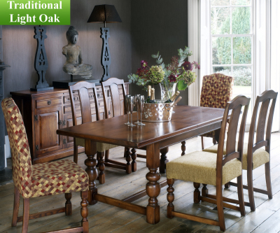 Old Charm Classic 2926 Buckingham Extending Dining Table